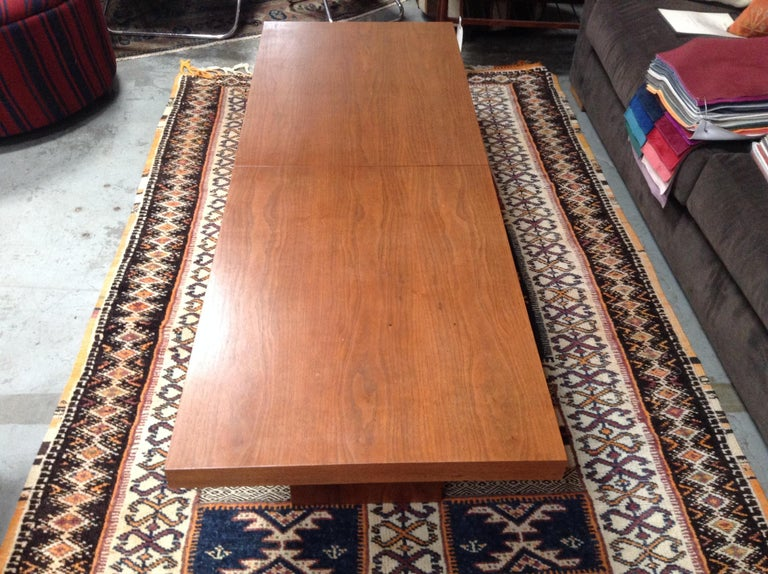 Mid-Century John Keal Extendable Coffee Table In Excellent Condition For Sale In Los Angeles, CA