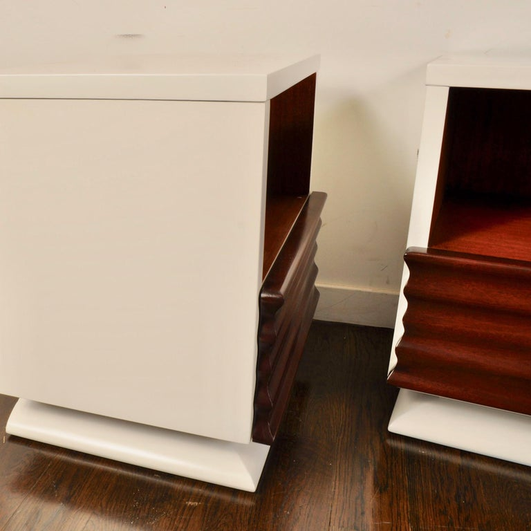 Mid-Century Modern Midcentury Lacquered Nightstands by Vanleigh Furniture For Sale