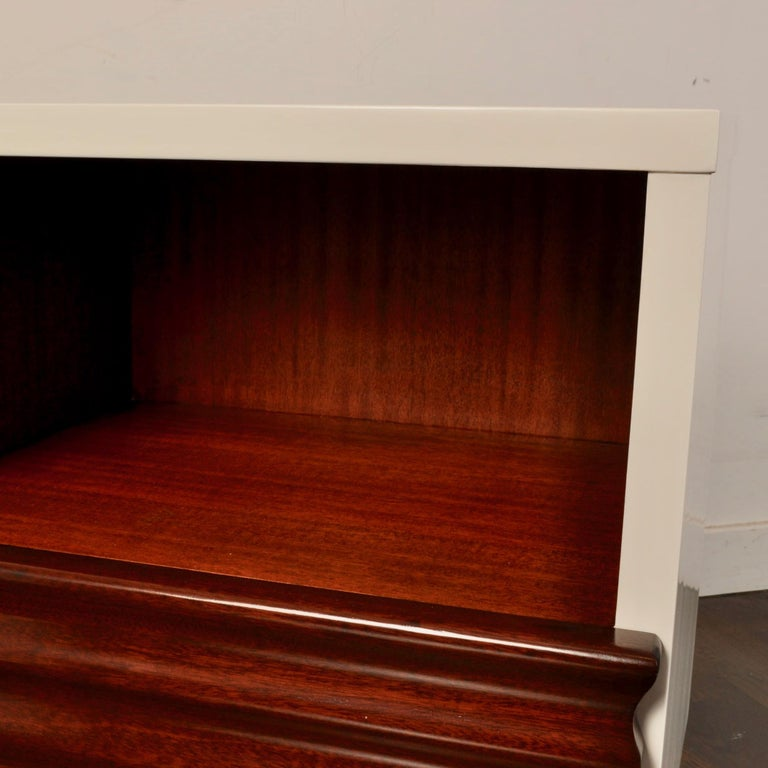 Midcentury Lacquered Nightstands by Vanleigh Furniture For Sale 1