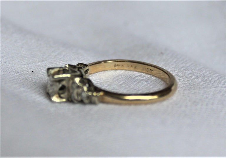 Mid Century Ladies 14-Karat Yellow & White Gold & Diamond Wedding Ring Set For Sale 5