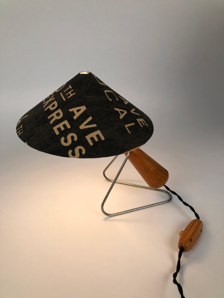 Midcentury Lamp with Shade in Martin Andrew Linen For Sale 5