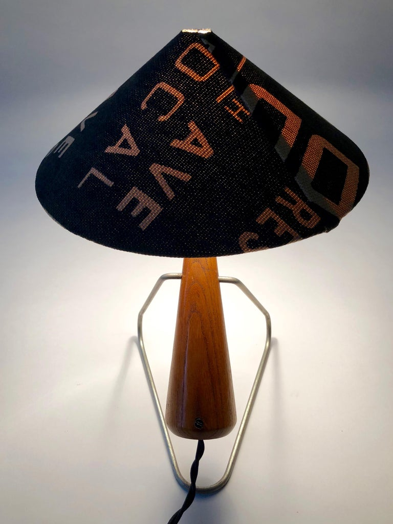 Midcentury Lamp with Shade in Martin Andrew Linen For Sale 2
