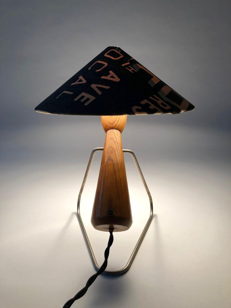 Midcentury Lamp with Shade in Martin Andrew Linen For Sale 3