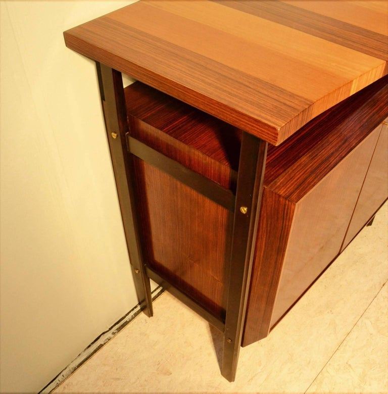 Midcentury Large Italian Credenza in Three Sections Indian Cherry and Rosewood For Sale 2