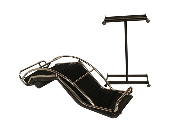 19th Century Midcentury Le Corbusier LC4 Style Leather Chaise Lounge Daybed For Sale