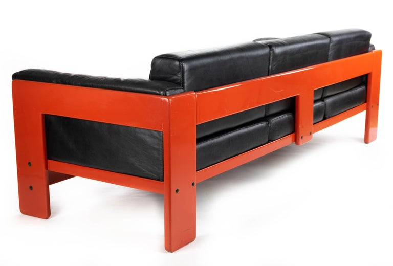 Italian Midcentury Leather and Wood Bastiano Three-Seat Sofa by Afra & Tobia for Gavina For Sale