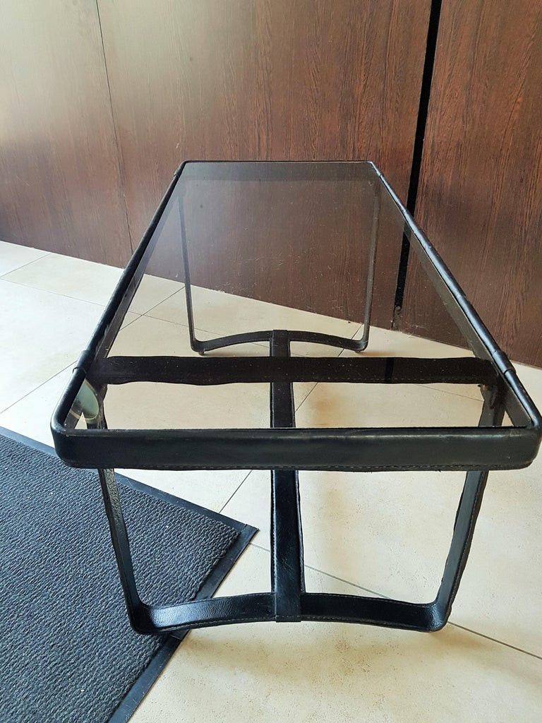 Midcentury Leather Coffee Table by Jacques Adnet, France, 1950 In Good Condition For Sale In Saarbruecken, DE