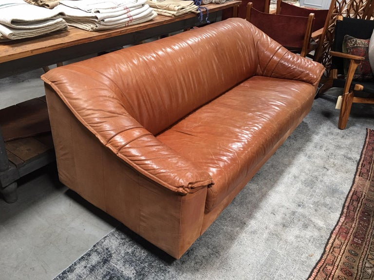 Midcentury Leather Sofa  For Sale 2