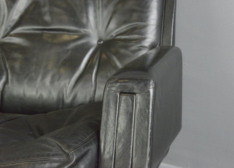 Scandinavian Modern Midcentury Lounge Chair by Kurt Hvitsjö for Isku, circa 1960s For Sale