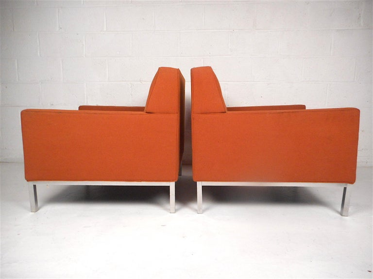 Mid-Century Modern Midcentury Lounge Chairs after Knoll, a Pair For Sale