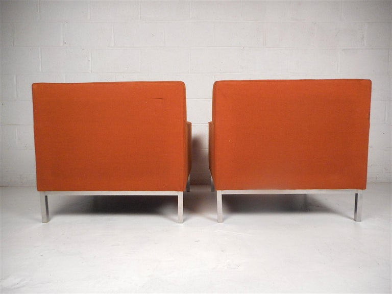20th Century Midcentury Lounge Chairs after Knoll, a Pair For Sale