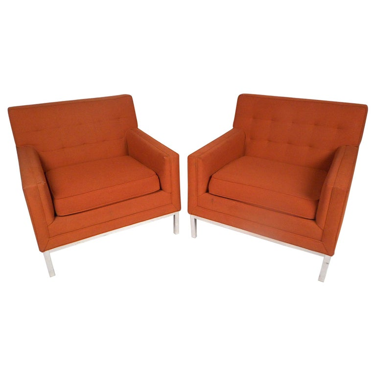 Midcentury Lounge Chairs after Knoll, a Pair For Sale