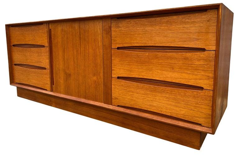 Mid-Century Modern Midcentury Low Dyrlund Teak Dresser Credenza Six-Drawer For Sale