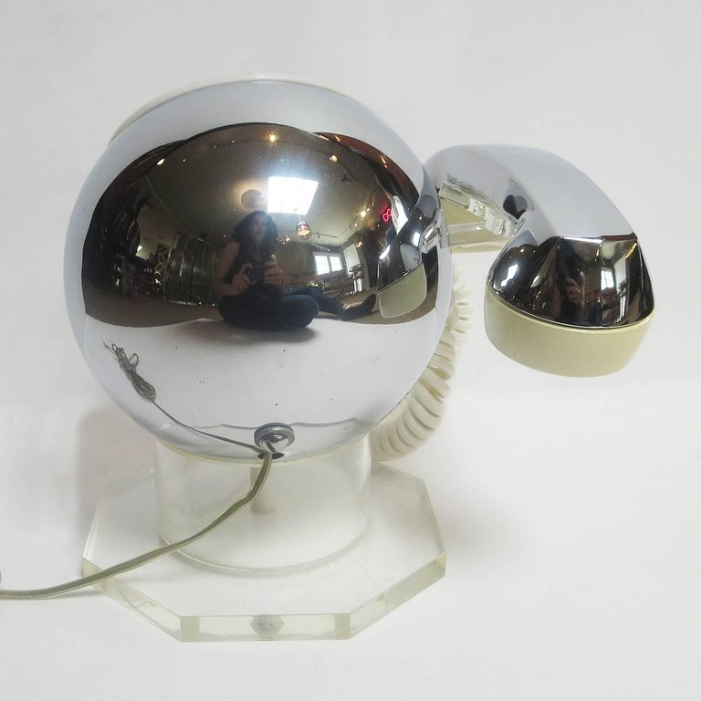 Midcentury Lucite and Chrome Telephone by TeleConcepts Inc., 1977 For Sale 3