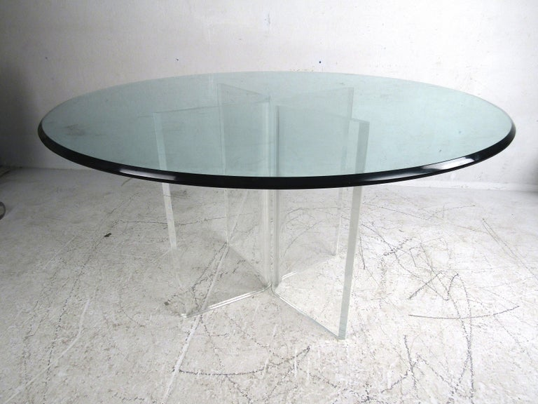 Midcentury Lucite and Glass Dining Set In Good Condition For Sale In Brooklyn, NY