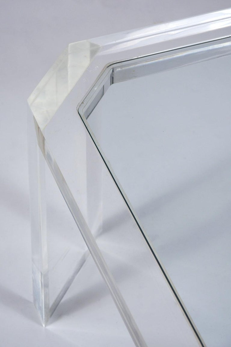 1970's Mid Century Lucite & Glass Coffee Table In Fair Condition For Sale In Los Angeles, CA