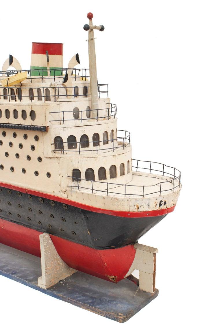 Mid-Century Modern Mid-Century Luxury Liner Ship Model For Sale