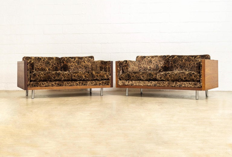 Midcentury Milo Baughman Style Brown Rosewood Box Loveseat Sofas 1970s, a Pair For Sale 3