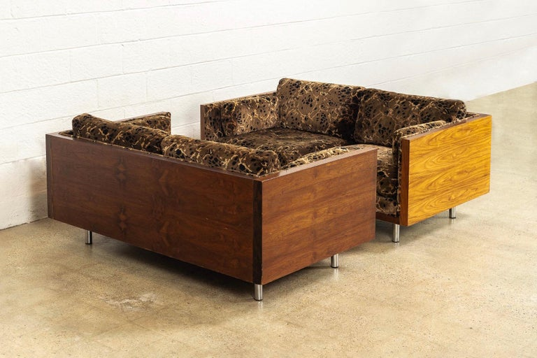 Midcentury Milo Baughman Style Brown Rosewood Box Loveseat Sofas 1970s, a Pair In Good Condition For Sale In Detroit, MI