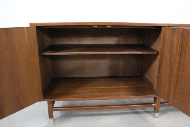 Mid-Century Modern H Paul Browning 4-Door Parquet Walnut Credenza Sideboard  For Sale 1