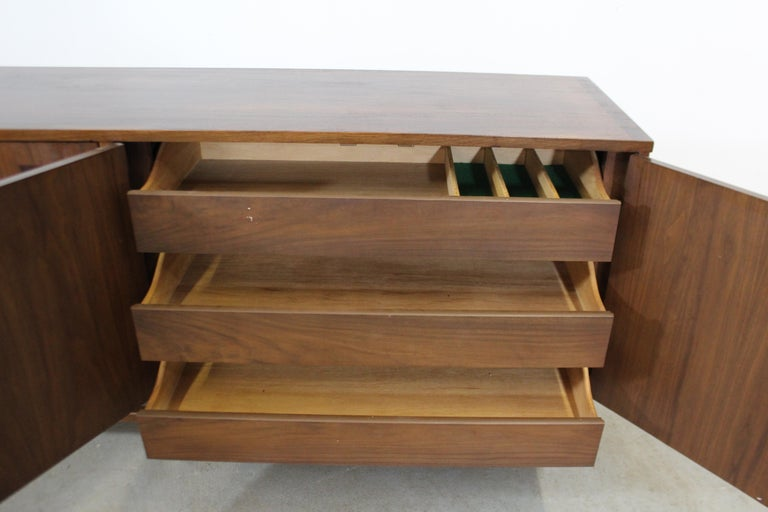 Mid-Century Modern H Paul Browning 4-Door Parquet Walnut Credenza Sideboard  For Sale 2
