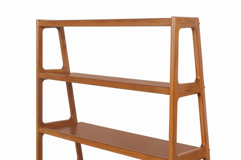 Mid-Century Modern 4-Tier Walnut Bookshelf For Sale 8
