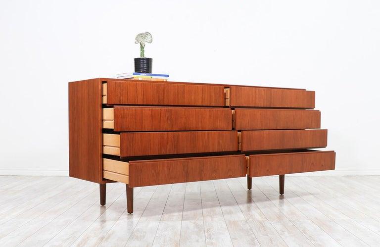 Norwegian Mid-Century Modern 8-Drawer Teak Dresser For Sale