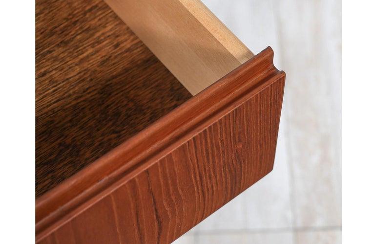 Mid-20th Century Mid-Century Modern 8-Drawer Teak Dresser For Sale