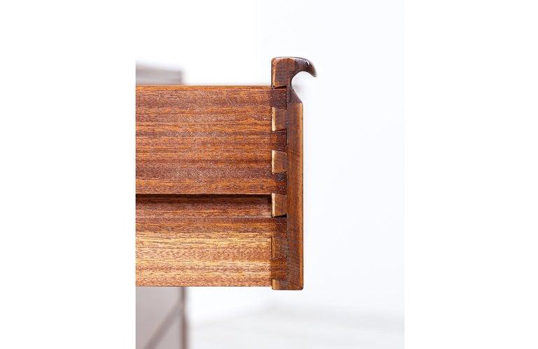 Mid-Century Modern 8-Drawer Walnut Dresser by Westnofa For Sale 3