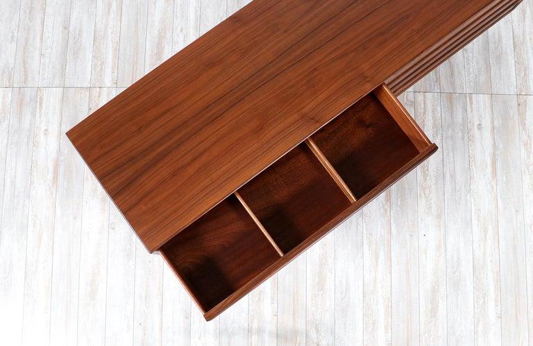 Teak Mid-Century Modern 8-Drawer Walnut Dresser by Westnofa For Sale