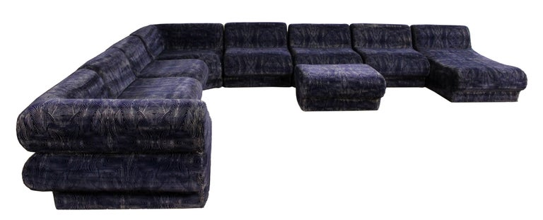 Mid-Century Modern 9-Piece Modular Serpentine Preview Blue Velvet Sectional Sofa For Sale 5