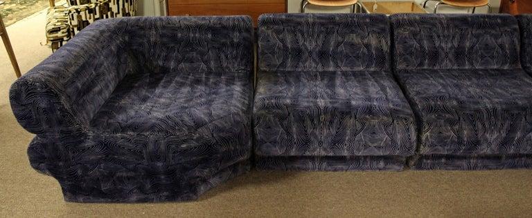 Mid-Century Modern 9-Piece Modular Serpentine Preview Blue Velvet Sectional Sofa For Sale 1