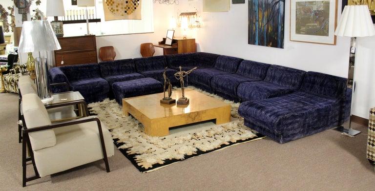 Mid-Century Modern 9-Piece Modular Serpentine Preview Blue Velvet Sectional Sofa For Sale 4