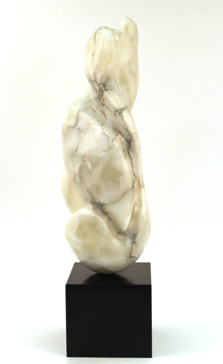 Mid-Century Modern Abstract Biomorphic Marble Sculpture In Good Condition For Sale In New York, NY