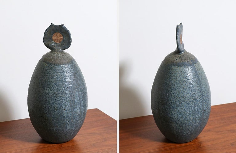 Mid-Century Modern Abstract Ceramic Sculpture, Signed In Excellent Condition For Sale In Los Angeles, CA