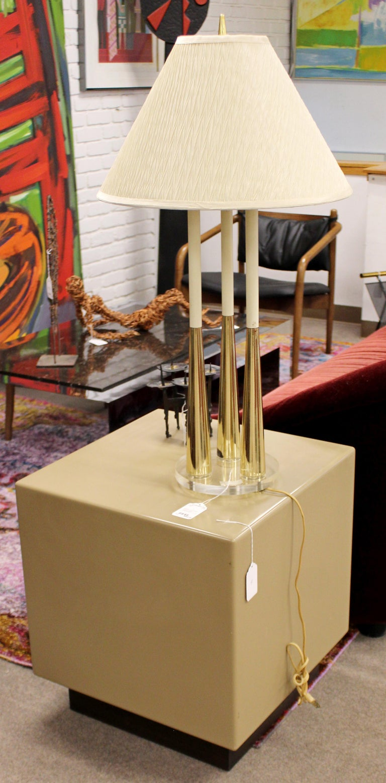 Late 20th Century Mid-Century Modern Acrylic Metro Cube Side End Table on Plinth Base For Sale