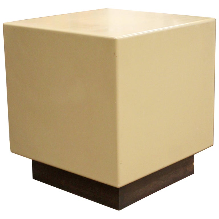 Mid-Century Modern Acrylic Metro Cube Side End Table on Plinth Base For Sale
