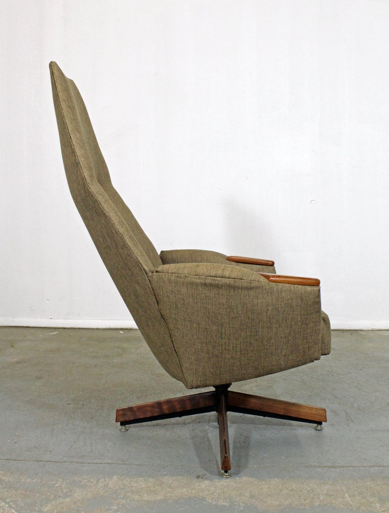 Mid-Century Modern Adrian Pearsall for Craft Assoc. Lounge Chair and Ottoman In Good Condition For Sale In Wilmington, DE