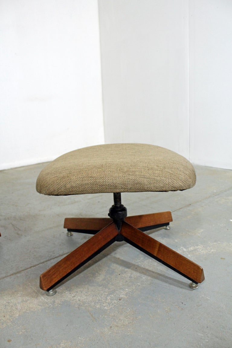 Mid-Century Modern Adrian Pearsall for Craft Assoc. Lounge Chair and Ottoman For Sale 1