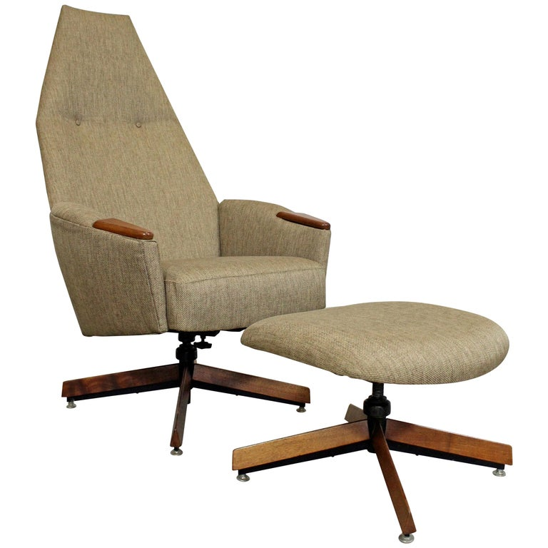 Mid-Century Modern Adrian Pearsall for Craft Assoc. Lounge Chair and Ottoman For Sale