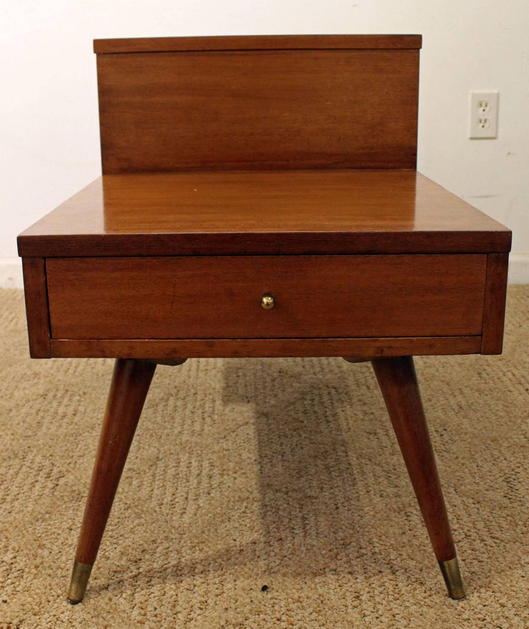Mid-Century Modern American of Martinsville Two-Tiered Walnut End Table For Sale 1