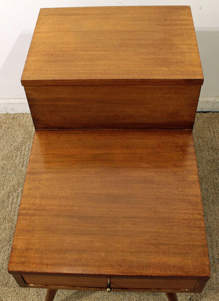 Mid-Century Modern American of Martinsville Two-Tiered Walnut End Table For Sale 2