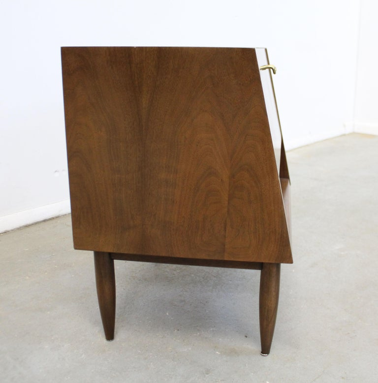 20th Century Mid-Century Modern American of Martinsville Merton Gershun 'Dania' Nightstand For Sale