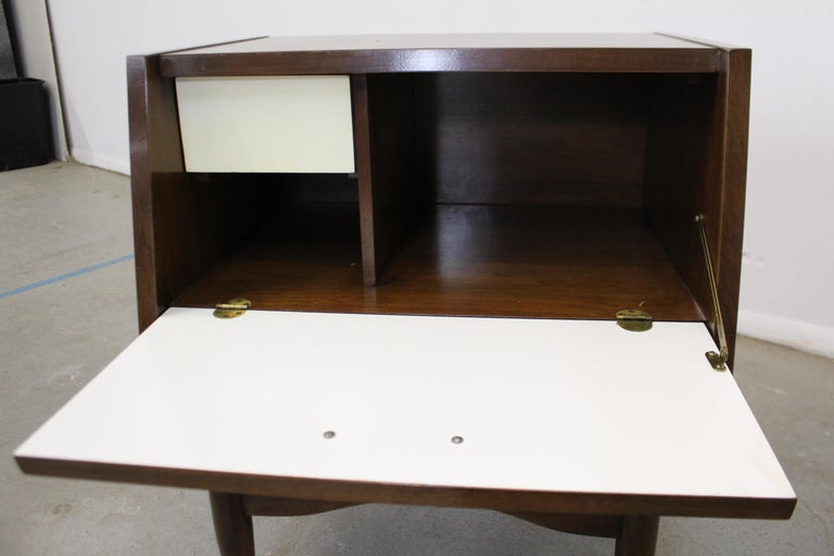 Brass Mid-Century Modern American of Martinsville Merton Gershun 'Dania' Nightstand For Sale