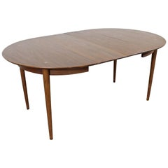 Mid-Century Modern American of Martinsville Walnut Extendable Dining Table