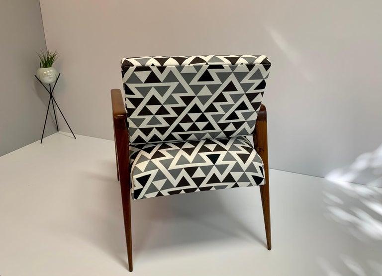 Mid-Century Modern Armchair In Good Condition For Sale In San Pedro Garza Garcia, Nuevo Leon