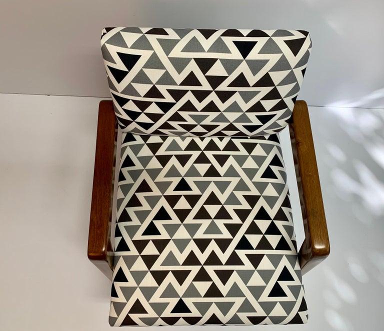 Mid-20th Century Mid-Century Modern Armchair For Sale