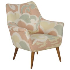Mid-Century Modern Armchair on Maple Splayed Legs, circa 1960s