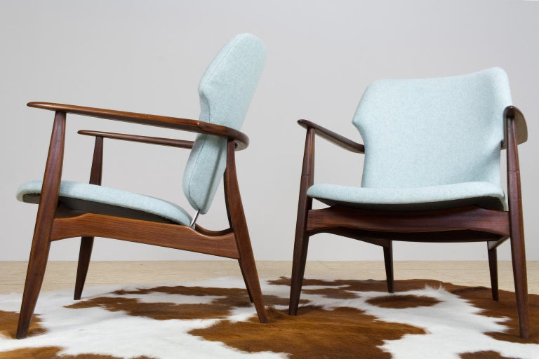 Dutch Mid-Century Modern Armchairs Teak and Blue Felt by Aksel Bender Madsen For Sale