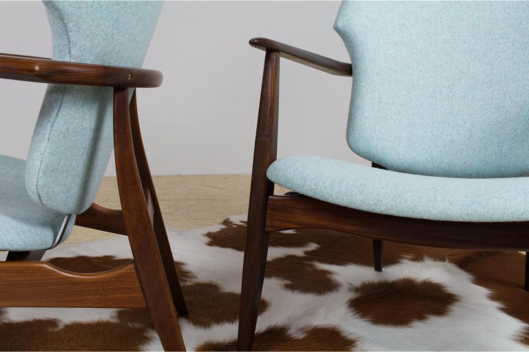 Mid-Century Modern Armchairs Teak and Blue Felt by Aksel Bender Madsen In Excellent Condition For Sale In Beek en Donk, NL